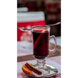 Классический грог - горячий алкогольный напиток из рома.